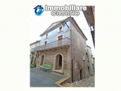 Ancient palace with terrace for sale in Italy, Region Molise, village Roccavivara 2