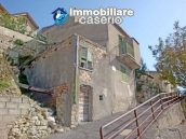 Detached house with garden and terrace for sale in Abruzzo, Italy - Carunchio 1