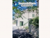 Detached house with garden and terrace for sale in Abruzzo, Italy - Carunchio 13