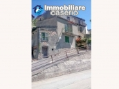 Detached house with garden and terrace for sale in Abruzzo, Italy - Carunchio 16