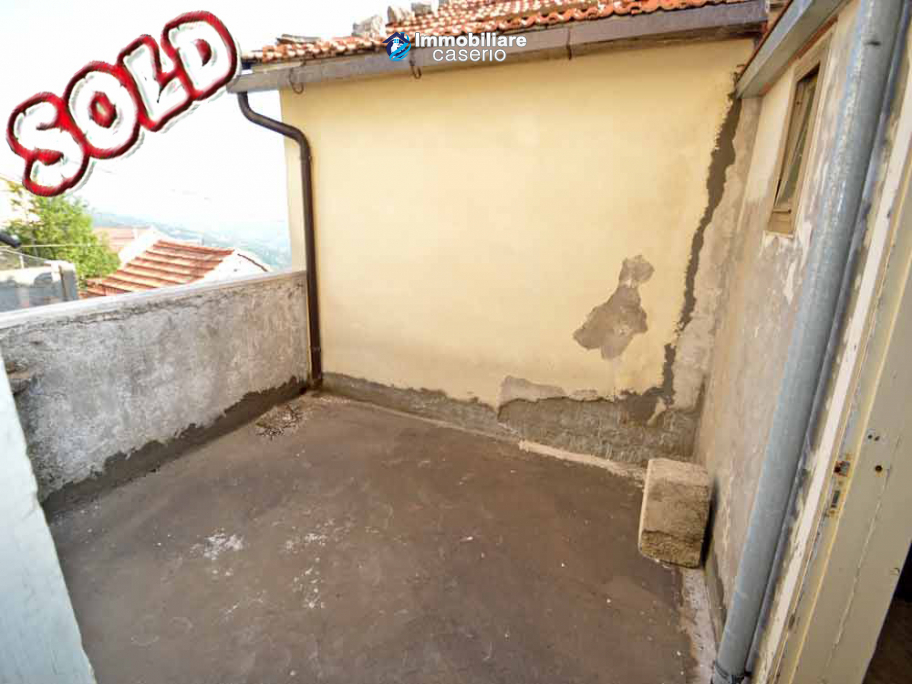 House with terrace in the mountains for sale in Abruzzo Region, Chieti