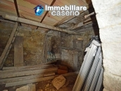 House with terrace and garden for sale in the mountains, Abruzzo 11