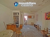 House with terrace and garden for sale in the mountains, Abruzzo 4