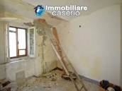 House with terrace and garden for sale in the mountains, Abruzzo 8