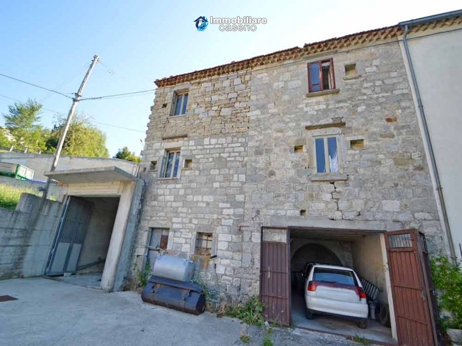 House with terrace and garden for sale in the mountains, Abruzzo