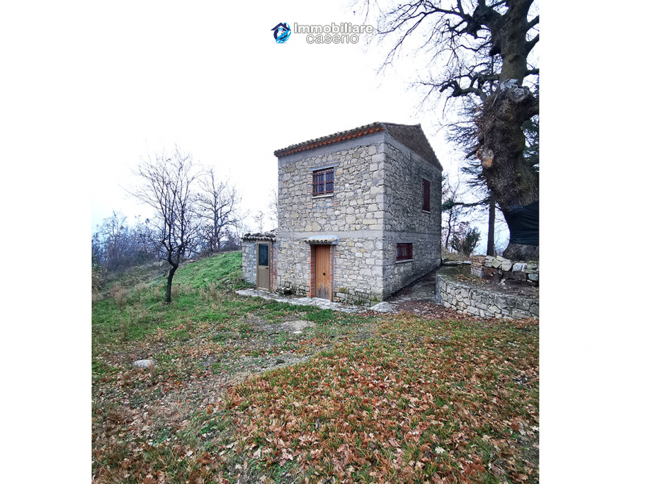 Stone house with garden for sale in Italy, Abruzzo, Guilmi