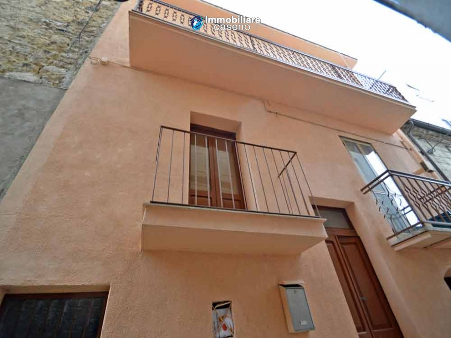 Property habitable with sea view for sale in Italy, Molise, Mafalda
