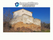 Cottage with sea view and flat land of about 2 hectares for sale in Abruzzo 7