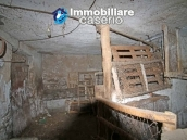 Property with two garages and terrace overlooking the hills for sale in Abruzzo 16