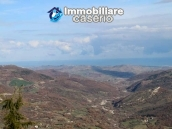 Property with two garages and terrace overlooking the hills for sale in Abruzzo 17