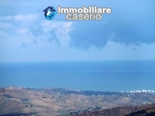 Property with two garages and terrace overlooking the hills for sale in Abruzzo 18