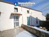 Property with two garages and terrace overlooking the hills for sale in Abruzzo 2