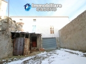 Property with two garages and terrace overlooking the hills for sale in Abruzzo 4
