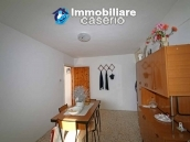 Property with two garages and terrace overlooking the hills for sale in Abruzzo 5