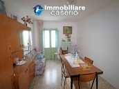 Property with two garages and terrace overlooking the hills for sale in Abruzzo 6