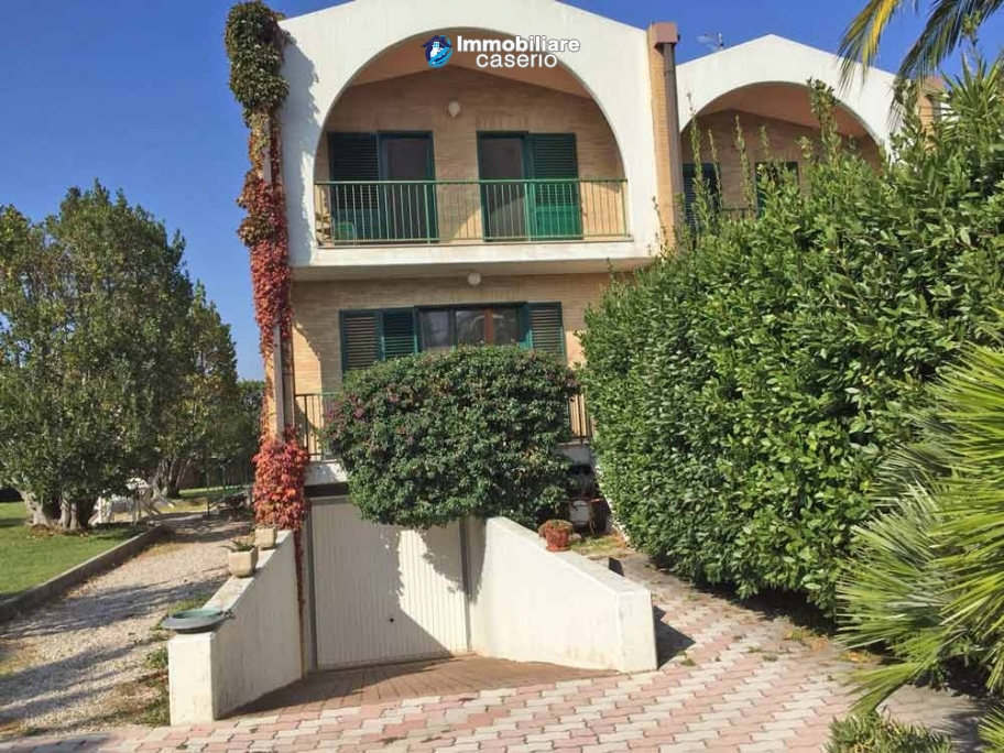 Property with sea view, garden for sale in the Molise Region, Campomarino