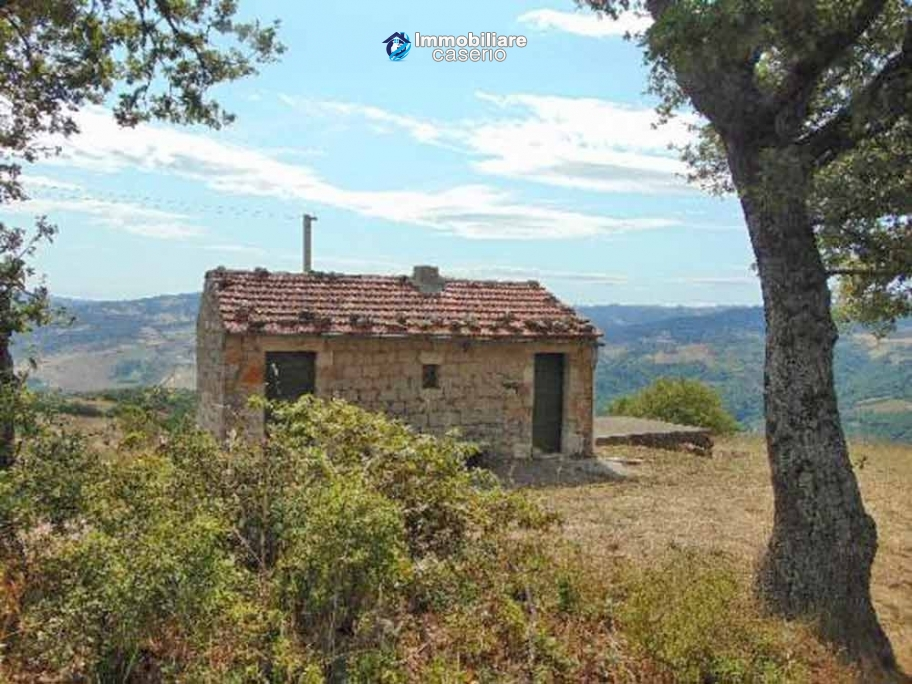 Rustic stone house for sale with two hectares of land Molise, Lucito