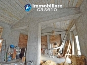 Two buildings with garden and stone henhouse for sale in Italy, Roccaspinalveti 8
