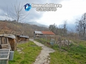 Two buildings with garden and stone henhouse for sale in Italy, Roccaspinalveti 15