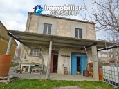 Two buildings with garden and stone henhouse for sale in Italy, Roccaspinalveti 1
