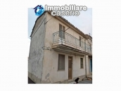 Property for sale with garden and cellar located in the Province of Chieti 1