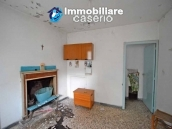 Property for sale with garden and cellar located in the Province of Chieti 3
