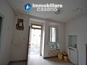 Property for sale with garden and cellar located in the Province of Chieti 4