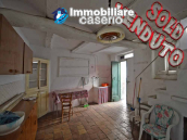 Ancient house in the village to be renovated for sale in Abruzzo 1