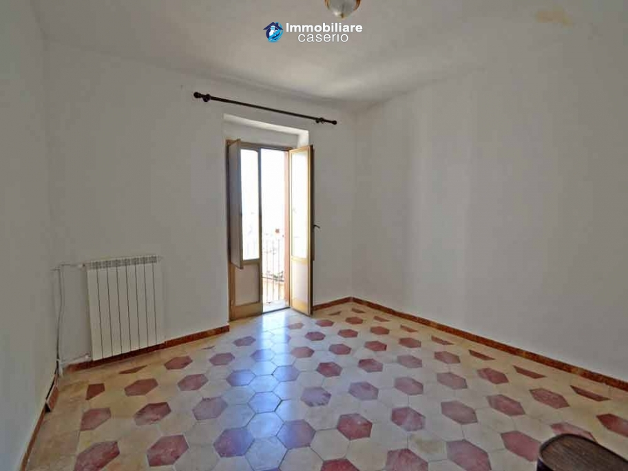 House in good condition with antique floors for sale in Italy, Molise