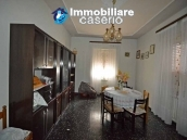 Detached house with land for sale a few km from the Costa dei Trabocchi, Italy 12