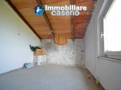 Detached house with land for sale a few km from the Costa dei Trabocchi, Italy 14
