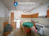 House surrounded by greenery with a large terrace for sale in Scerni, Abruzzo 11