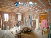 House surrounded by greenery with a large terrace for sale in Scerni, Abruzzo 15