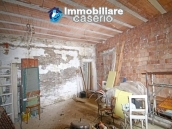 House surrounded by greenery with a large terrace for sale in Scerni, Abruzzo 17