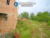 House surrounded by greenery with a large terrace for sale in Scerni, Abruzzo 18
