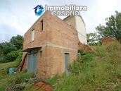 House surrounded by greenery with a large terrace for sale in Scerni, Abruzzo 2