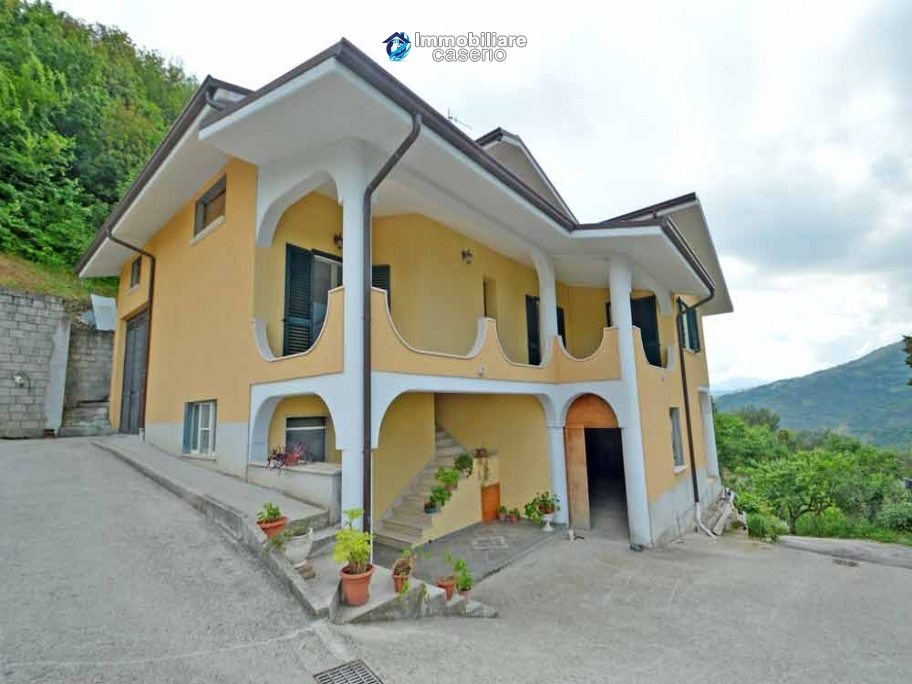 Detached house built completely with reinforced concrete for sale in Italy