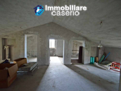 Spacious house with land and garages for sale in the Abruzzo region, Italy 5