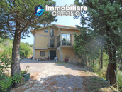 Detached villa with land, located in a quiet area in Abruzzo, Italy 4