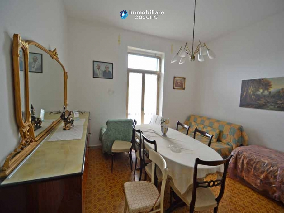 Apartment of about 65 sq m for sale a few steps from the center of Bomba, Italy