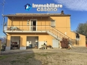 Independent house with land and olive trees for sale in the Province of Teramo 2