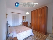 House with terrace, veranda, garages and 3 hectares of vineyard for sale Abruzzo 12