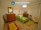 House with terrace, veranda, garages and 3 hectares of vineyard for sale Abruzzo 22
