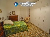 House with terrace, veranda, garages and 3 hectares of vineyard for sale Abruzzo 23