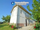 Country house with possibility to build a swimming pool for sale in Abruzzo, Italy 1