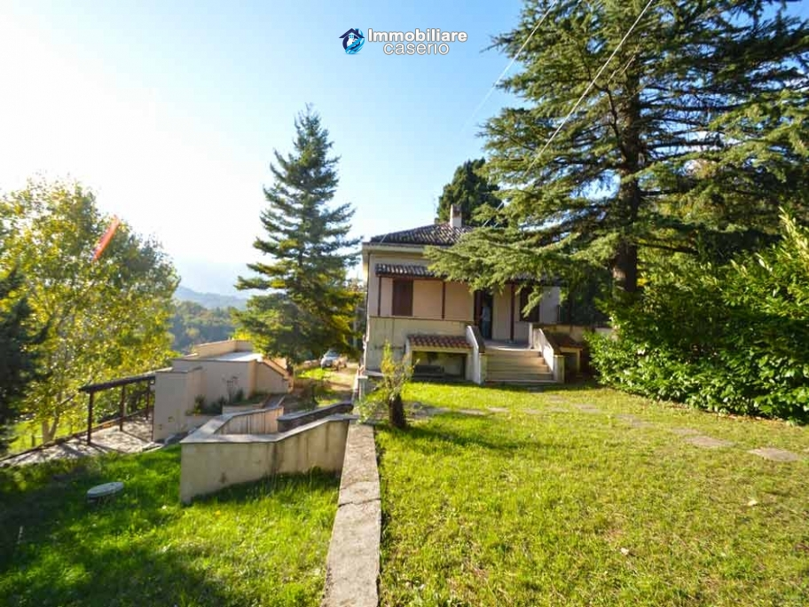 Detached house with land for sale Carunchio, Abruzzo, Italy
