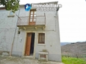 Habitable house with garden for sale in the medieval village Castelbottaccio, Molise 1