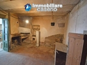 Habitable house with garden for sale in the medieval village Castelbottaccio, Molise 17