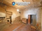 Habitable house with garden for sale in the medieval village Castelbottaccio, Molise 18