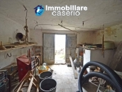 Habitable house with garden for sale in the medieval village Castelbottaccio, Molise 21